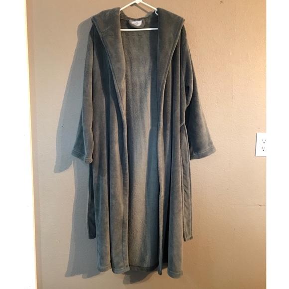8556fcd539 Size S M Grey Bath and Body Works Fleece Robe